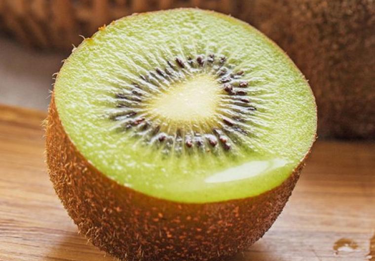 大学生创业助农,香甜健康的眉县猕猴桃